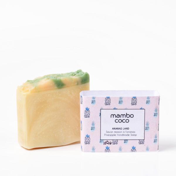 Savon artisanal à l'ananas fabriqué par Mambo Coco