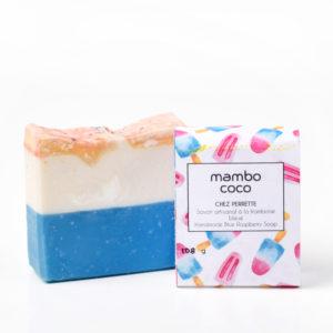 Savon artisanal à la framboise bleue fabriqué par Mambo Coco, savonnerie artisanale de Québec